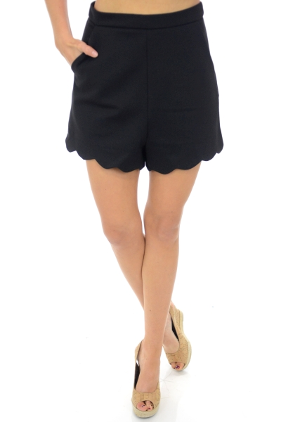 Structured Scallop Shorts, Black