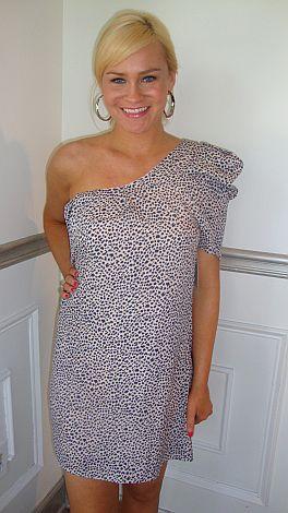 Single Sleeve Specks Dress