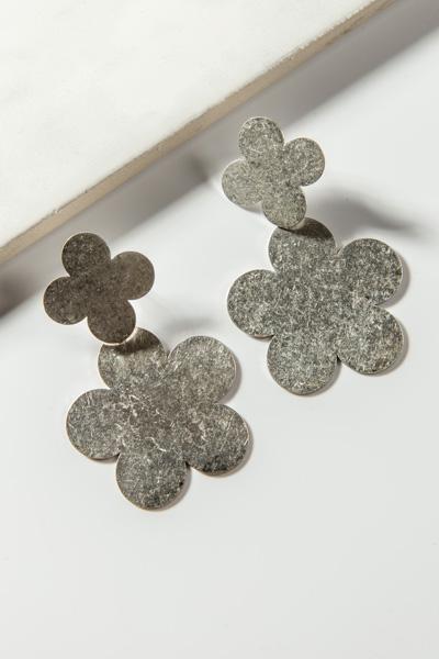 Matte Silver Flowers Ear
