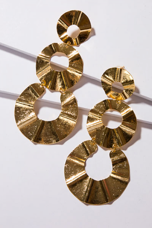 T. Jewels Wave Earring