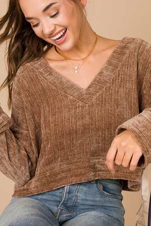 Chenille Cropped V Pullover