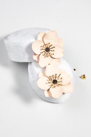 Center Burst Nude Flower Earring