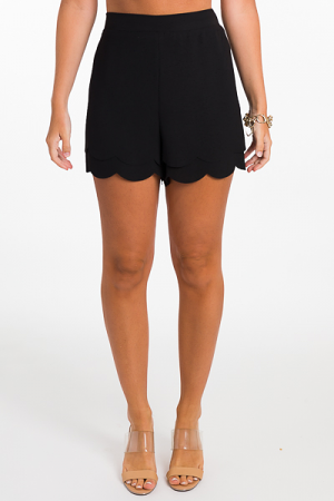 Double Scallop Solid Shorts, Black
